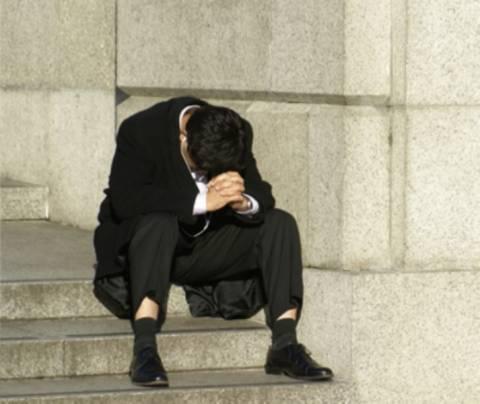 Άνεργοι, απλήρωτοι και χωρίς προοπτική Έλληνες εργαζόμενοι