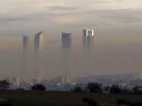 Πνίγονται στο νέφος Μαδρίτη- Βαρκελώνη