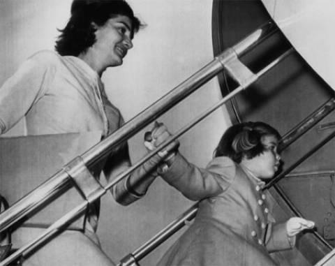 Ταξιδεύεις με αεροπλάνο; Κάντο όπως οι σταρ