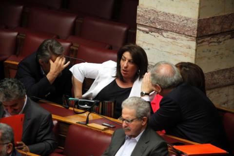 Αντιδράσεις βουλευτών του ΠΑΣΟΚ για την απελευθέρωση των ΤΑΞΙ