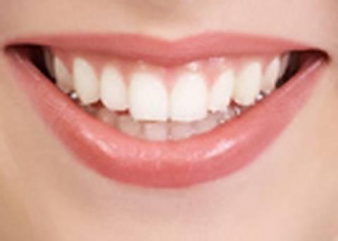 """Τα δόντια μας """"κρύβουν"""" τράπεζα βλαστοκυττάρων"""