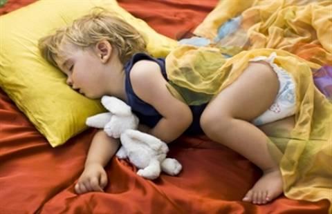 Ο καλός ύπνος ηρεμεί τα παιδιά