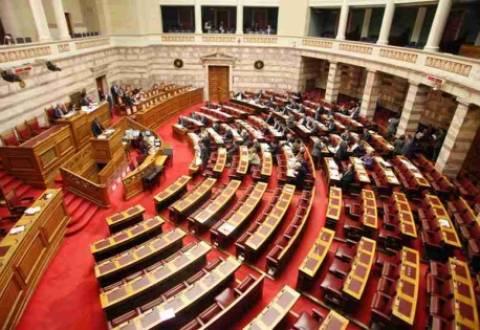 """Ομάδα 14 βουλευτών του ΠΑΣΟΚ """"άδειασε"""" την κυβέρνηση στην υπόθεση Siemens"""