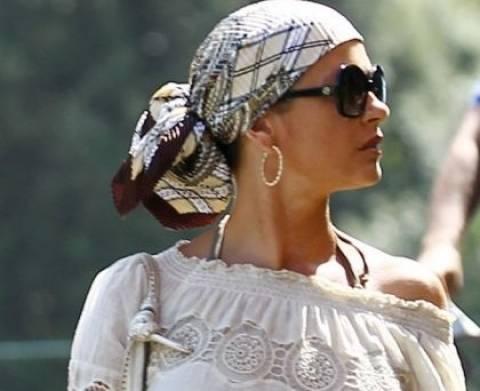 Δέσε το μαντήλι όπως η Catherine Zeta Jones