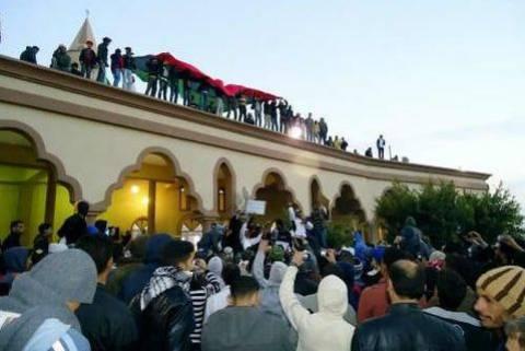 Οι Λίβυοι εξεγερμένοι κατέλαβαν τη Ζαουίγια