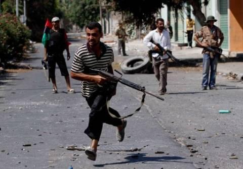Λιβύη: Προελαύνουν οι αντικαθεστωτικοί