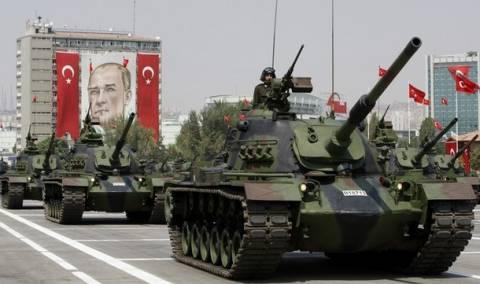 Τουρκία: Συνέλαβαν αξιωματικούς ύποπτους για πραξικόπημα