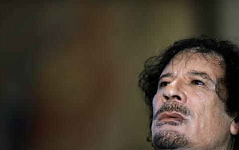 Μουαμάρ Καντάφι: Καταζητείται νεκρός ή ζωντανός