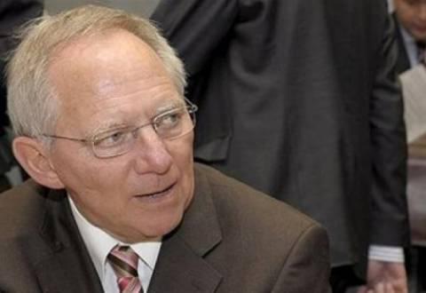 Σόιμπλε: «Τα 440 δισ. ευρώ του EFSF επαρκούν»
