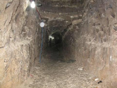 Έσκαψαν τούνελ 10 μέτρων για να αποδράσουν