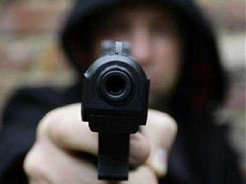 Ληστεία σε Σούπερ Μάρκετ με όπλα και μαχαίρια