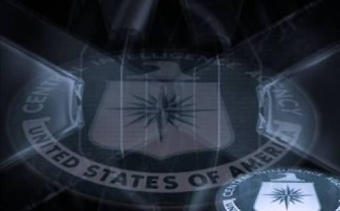CIA και Μ16 συνεργάζονταν με τον Καντάφι