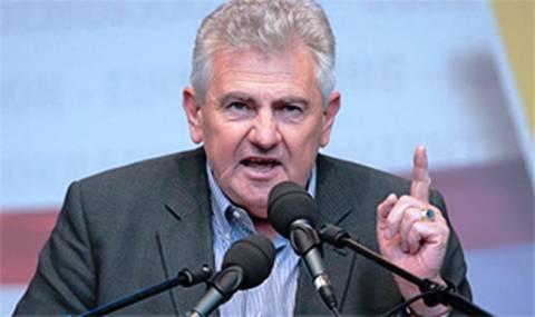 Αυστριακός ευρωβουλευτής κατηγορεί τον Γ. Παπανδρέου για κερδοσκοπία!