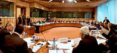 Με το βλέμμα στραμμένο στο έκτακτο Eurogroup