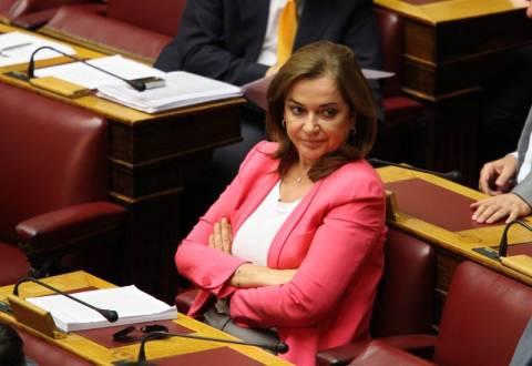 Εκτός Βουλής η Ντόρα σε 3 δημοσκοπήσεις