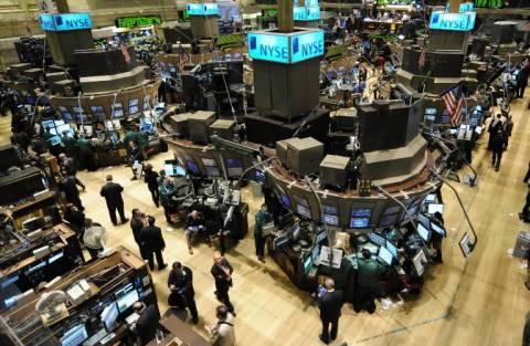 """""""Χαμηλή πτήση"""" για τον Dow Jones"""