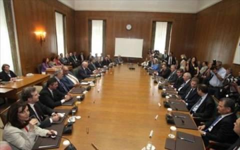 Το Μεσοπρόθεσμο στην κυβερνητική σύσκεψη