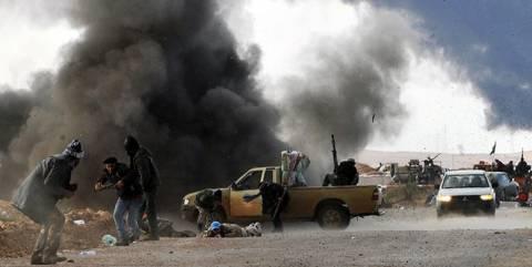 Αντιστέκεται το τελευταίο προπύργιο του Καντάφι