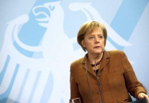 Μέρκελ: «Μια ελληνική χρεοκοπία δεν αποτελεί επιλογή»