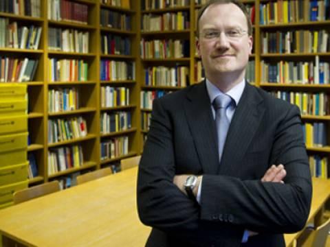 Ο σύμβουλος της Μέρκελ προτείνει αναδιάρθρωση χρέους