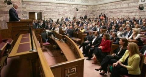 Κυβέρνηση και βουλευτές στα πρόθυρα… κατάρρευσης