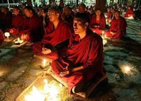 Αυτοπυρπολήθηκαν βουδιστές μοναχοί