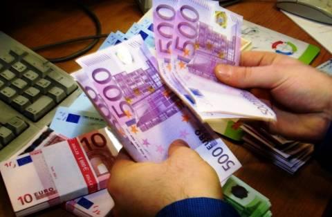 Παύση πληρωμών - Λεφτά υπάρχουν μόνο για μισθούς και συντάξεις