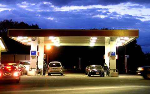 «Άδειασαν» βενζινάδικο στο Μοσχάτο