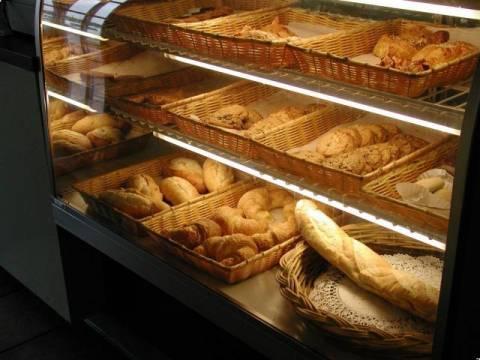 «Άδειασε» αρτοποιείο στον Αγ. Δημήτριο