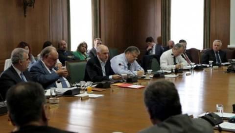 Εφεδρεία και προϋπολογισμός στο υπουργικό - Νέα μέτρα για τη «μαύρη τρύπα»