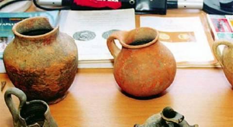 Αρχαιοκάπηλοι με αρχαίους αμφορείς στη Σκόπελο