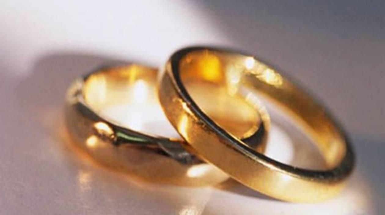 Στους συμβολαιογράφους περνούν τα διαζύγια