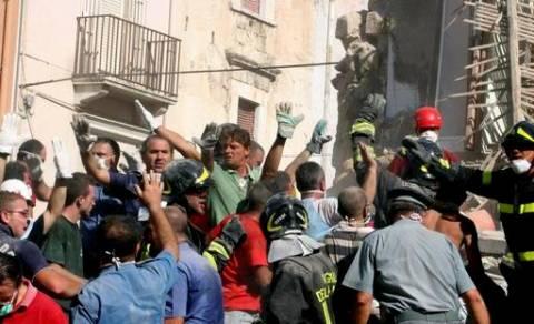 Ιταλία: Πέντε νεκροί στα συντρίμμια κτηρίου