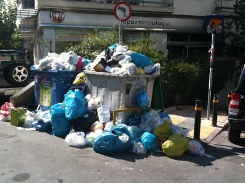 Τα σκουπίδια «πνίγουν» την Αττική