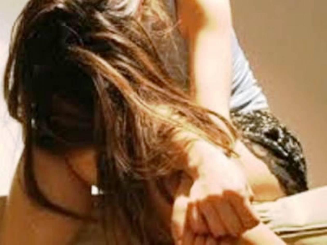 Βίασαν ανήλικη μπροστά στα μάτια του πατέρα της