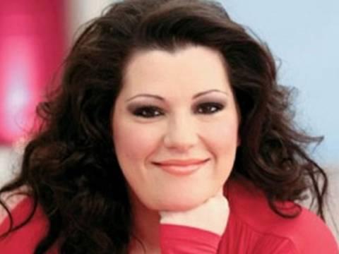 Ένας χρόνος newsbomb: Ευχές από την Κατερίνα Ζαρίφη
