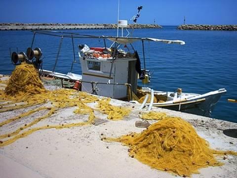 Τα δίχτυα έκαναν το σκάφος ακυβέρνητο