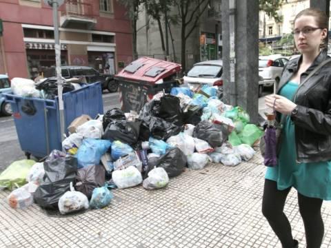 SOS για τη δημόσια υγεία λόγω σκουπιδιών εκπέμπουν οι γιατροί