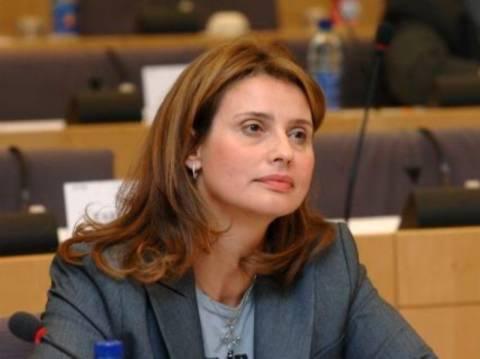 Ένας χρόνος newsbomb: Ευχές από την Κατερίνα Μπατζελή
