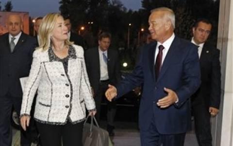 Στο Ουζμπεκιστάν η Χίλαρι Κλίντον
