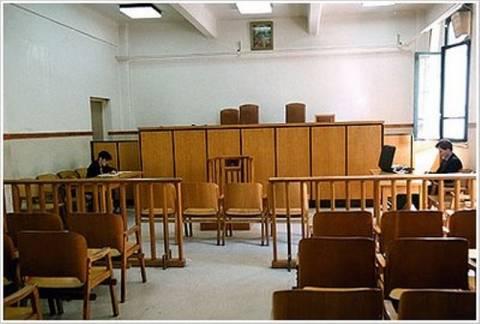 Συνεχίζουν τις κινητοποιήσεις οι δικαστικοί υπάλληλοι