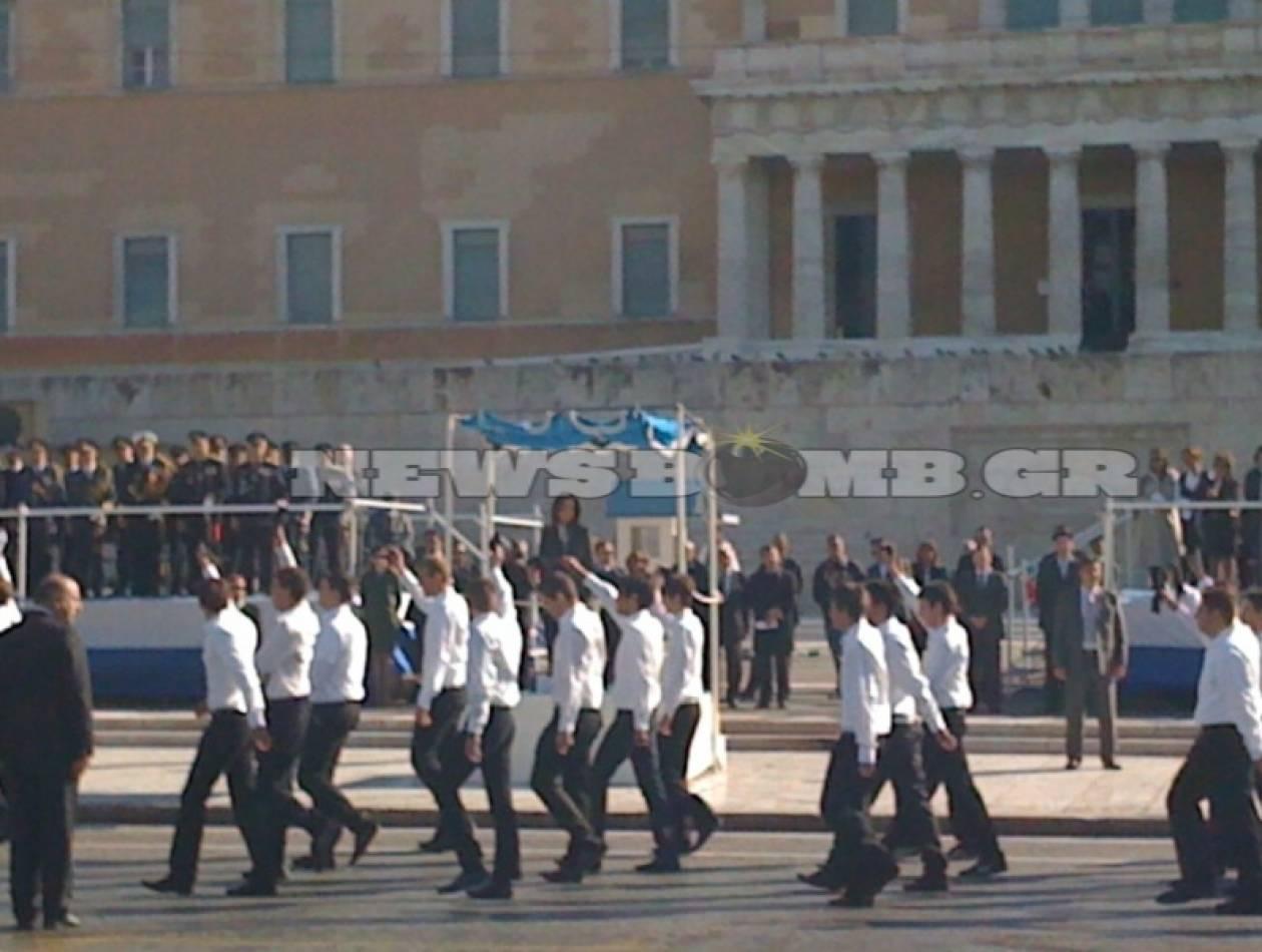 Ένταση και αποδοκιμασίες στην παρέλαση της Αθήνας
