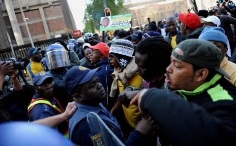 Ν. Αφρική: Πορεία νέων ενάντια στη φτώχεια