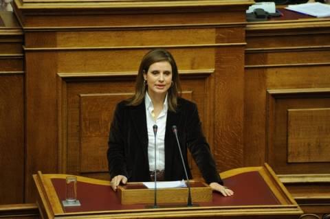 Οικουμενική κυβέρνηση θέλει η Κ. Μπατζελή