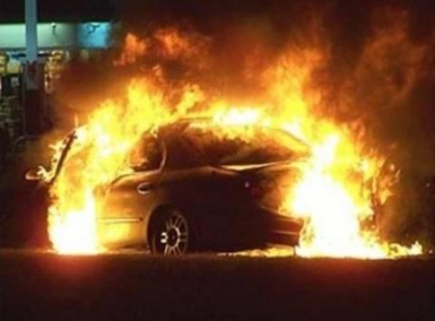 Στις φλόγες αμάξι στο Παλαιό Ψυχικό