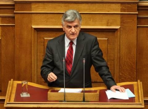 Πετσάλνικος: Χρειάζεται εξέγερση απέναντι στις παθογένειες
