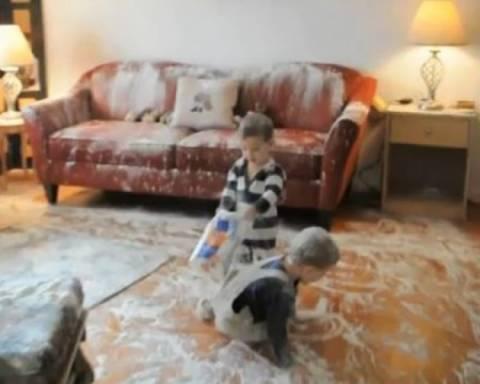 Τι γίνεται όταν δύο παιδιά «ανακαλύπτουν» το αλεύρι