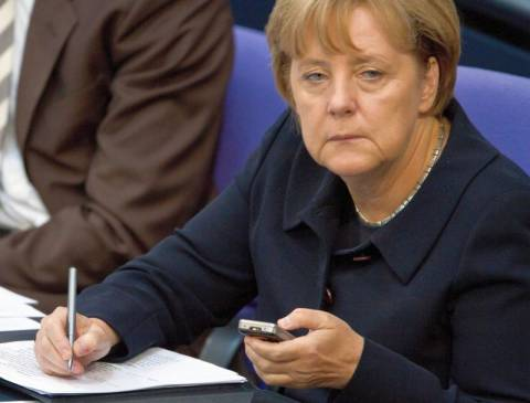 Μέρκελ: Να αλλάξει η συνθήκη της Ε.Ε.