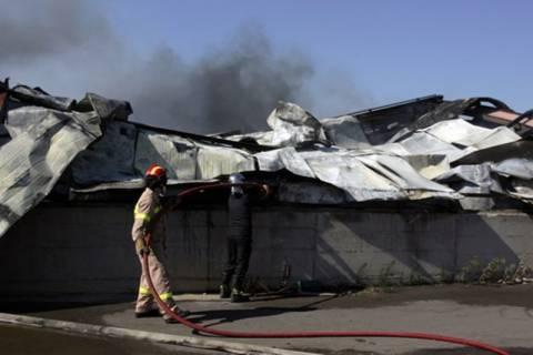 Μεγάλη ληστεία και φωτιά σε αποθήκες στον Ασπρόπυργο