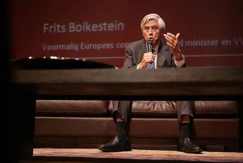 Φ. Μπολκεστάιν: Το ευρώ θα καταρρεύσει